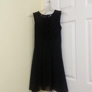 💖2/$30💖 NWOT little black dress lace top